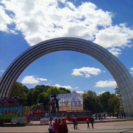 арка дружбы Народов украина Киев