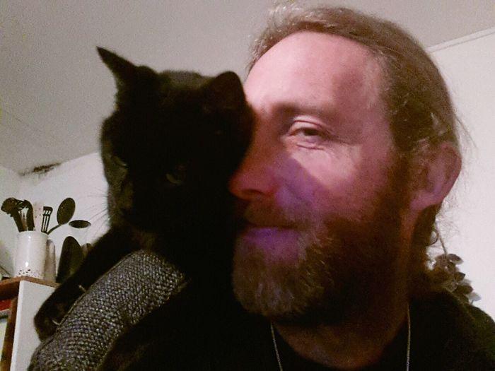 Cat♡ faire a manger avec Elfy sur l'epaule, c'est pratique. Enjoying Life