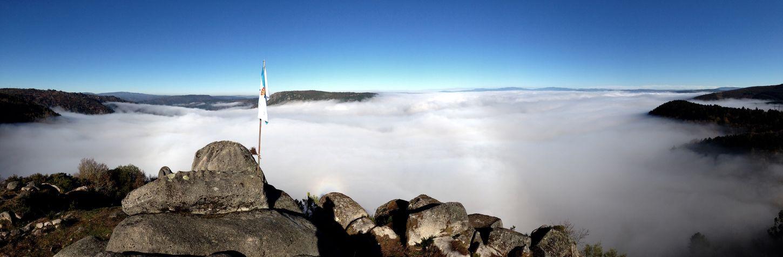 Niebla sobre la Ribeira Sacra Photo Galicia Lugo Fotografia Monfortedelemos RibeiraSacra Foto Nature Paisaje Ourense