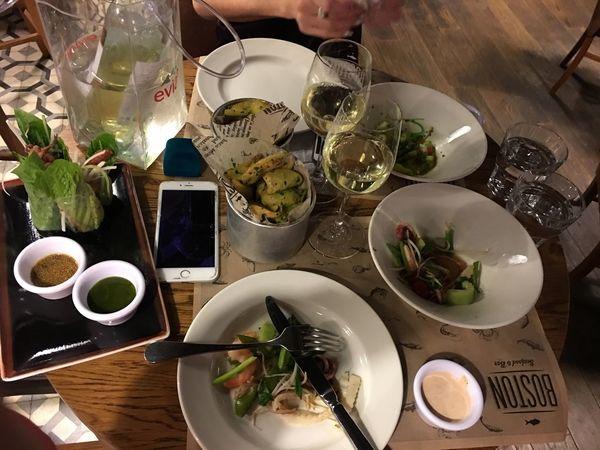 Москва праздниккнамприходит Бостон ресторан  рыбный Table Food And Drink Plate High Angle View Still Life Indoors  Serving Size