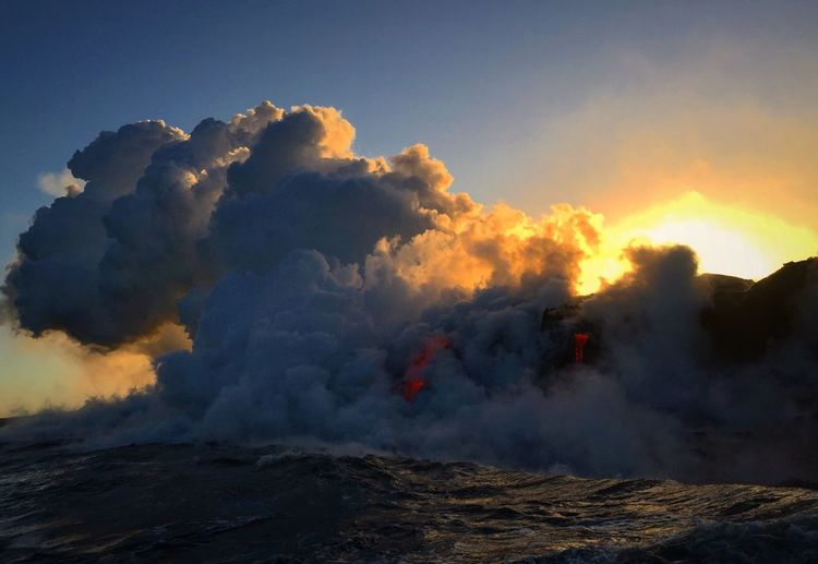 Amazing trip to see lava flowing in the ocean at the big island Hawaii Beauty In Nature Nature Outdoors Scenics Sunset RISK Lava Hawaii Vulcano The Great Outdoors - 2017 EyeEm Awards EyeEmNewHere An Eye For Travel