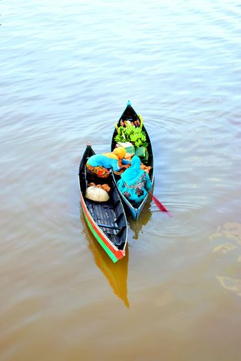 Lok Baintan floating market activity First Eyeem Photo Floating Market Lokbaintan Banjarmasin River View