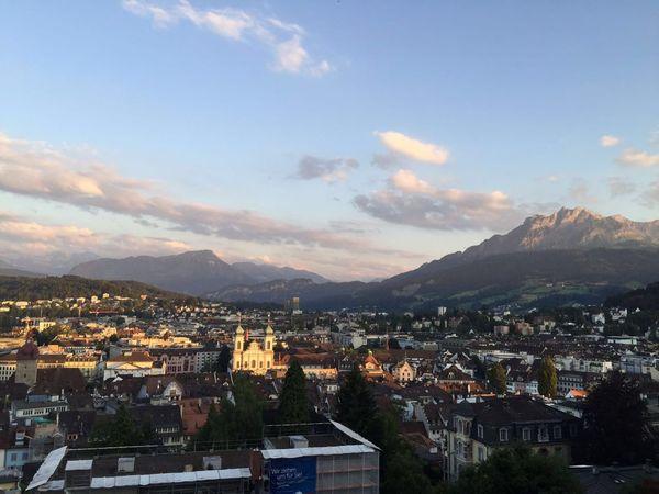 EyEmNewHere Fahne Fahnen Holzbrücke Lucerne Luzern Pilatus Mt. Switzerland Vierwaldstättersee