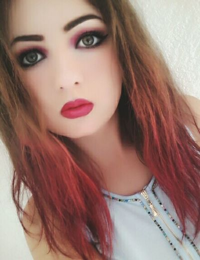 Hi People How Are You? Life Is Beautiful Life In Colors This Is Me..... Myphoto Green Eyes *_* Pink Lips Haircolor Makeup Followme Follow4follow Followplease ❤💋😊