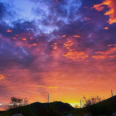 Goodmorning @instagram Instagramaz Phoenixaz Instasunrise Desert Arizonahighways Arizona Sunrise Igersphx Igsunrise Monday Mornings RiseNshine Landscape Sunshine BreakOfDawn HotAsHell Gottalovethatheat :) Pastel Power