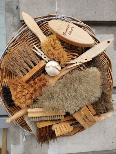Bürsten Cleaning Equipment Brushes Bürsten No People Tools Clamp Basket EyeEm Selects Table High Angle View Close-up Jute Nutshell Handmade Wooden
