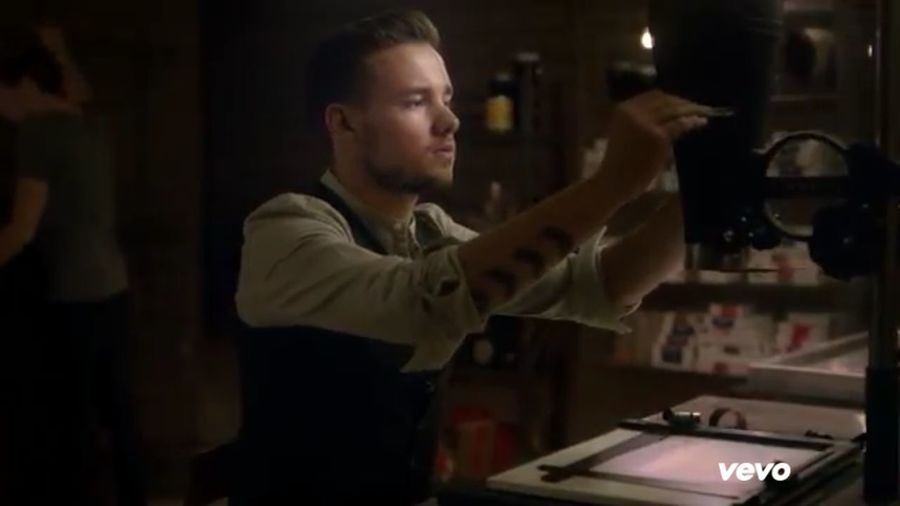 LIAM!!!WHOOP WHOOP!!(: Somlmusicvideo OneDirection♥ PERFECTIONOVERLOADED LIAM IS AWESOME