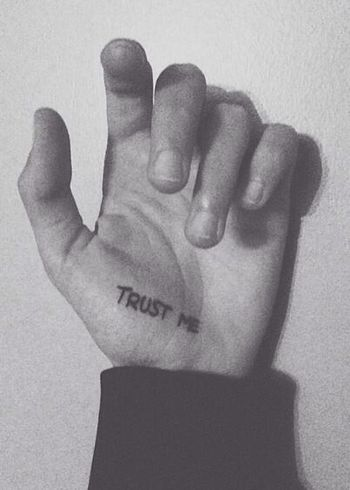 Dani's Tatto Tatto ✌ Trust Me Black & White New