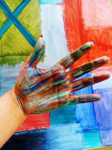 Human Hand One Person Human Body Part Multi Colored Only Women Real People Close-up Fotography Beautiful People Day