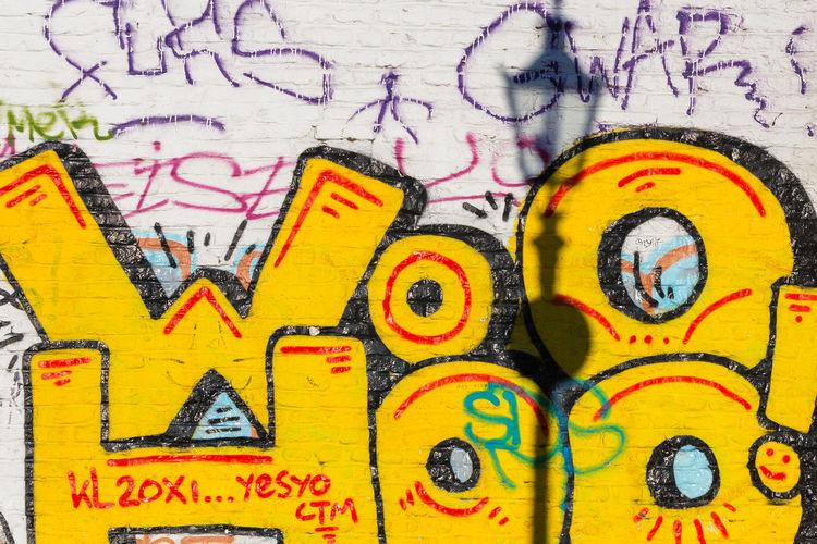 Germany Deutschland NRW Düsseldorf Grafitti Laterne Lantern Wall Wall Art Colors Streetart Streetart/graffiti