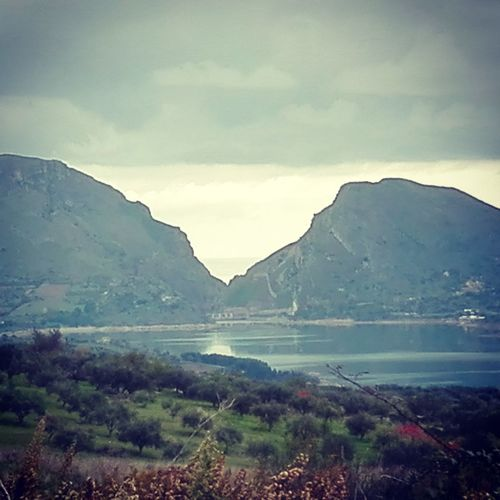 Lake Sky And Clouds Siciliabedda Nature Outdoors Lonelyplanet Beauty In Nature Sicily Tracieloeterra