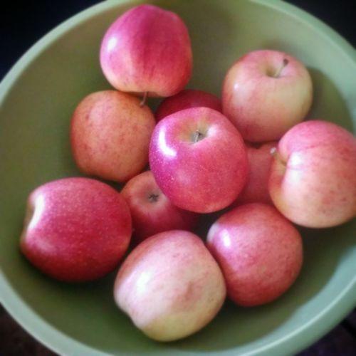 Eat healthy my loves. Instafood Fruits Apples Fall healthyeating healthychoice healthtips health
