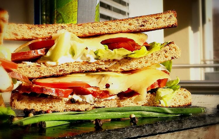 FOOD-BUDDY'S Swiss Club Swisscheese, on our page: Foodstyling Fresh Foodporn Foodblogger Gourmet Food Healthy Eating Club Sandwich Swiss Made Swissfood Chees Cheeselovers Toasted Sandwich Salad