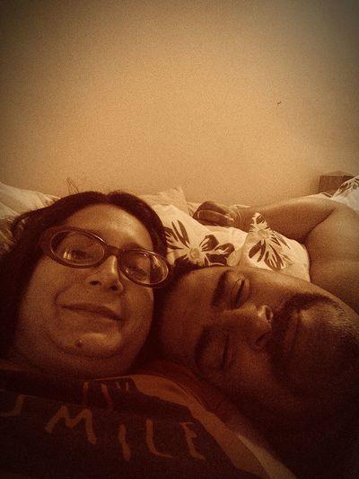 Con mi esposo descansando