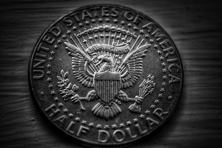 old style edit of an American coin American Coin Malephotographerofthemonth Macro Photography Sliver Color Metal Art American Eagle Blackandwhite Photography Bnw monochrome photography Close-up Silver  Money Coin Currency Round
