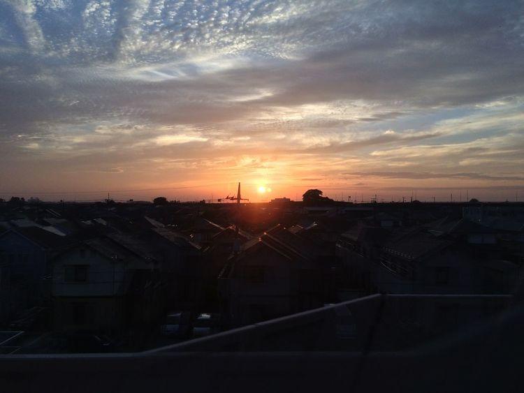 撤収ちう そー言えば一昨日の赤い夕焼は今日の地震に繋がってたのかなぁ? IPhoneography Sunsets Clouds And Sky