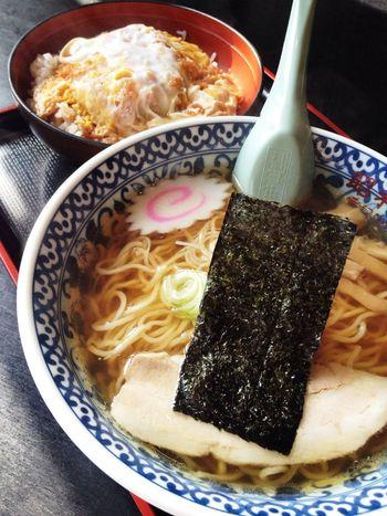 ラーメン(550円)食べに来たんだけど、この店来たらカツ丼も頼まなきゃ!というわけで+ミニカツ丼(350円)♪ IPhoneography Lunch