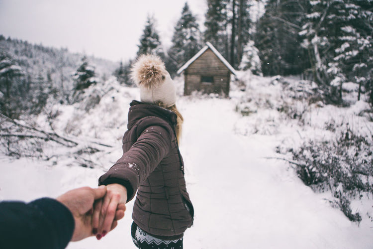 Come With me Cold Temperature Come Day EyeEm Best Shots EyeEm Gallery Holding Holiday House Human Body Part Human Hand Life Lifestyles Men Nature One Person Outdoors People Snow Still Life Tree Vacations Warm Clothing Winter Winter Woman Connected By Travel