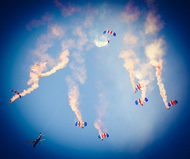 """deploy chutes"" Sunderland Air Show 2014 Air Show Parachutes Taking Photos"