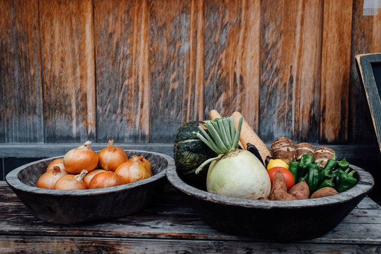 Wooden baskets with raw vegetables Back To Basics  Basket Bowl Food Food And Drink Freshness Healthy Healthy Eating Healthy Food Healthy Lifestyle No People Raw Food Raw Vegetables Simple Simple Life Simple Living Squash - Vegetable Table Vegan Vegan Food Vegetable Vegetables Vegies Vegitables Wood - Material