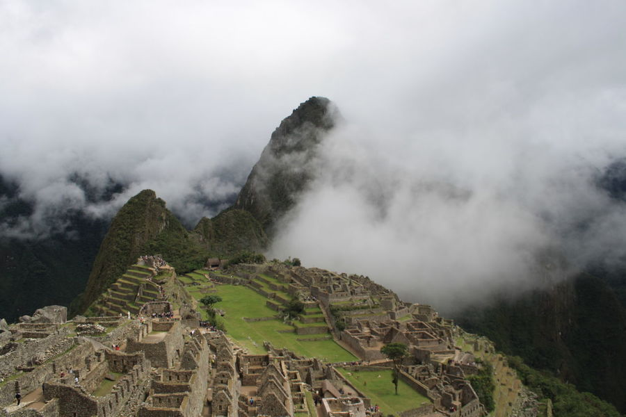 Machu Pichu: One of the Seven Wonders of the World. An inca fortress city discovered in 1911 and that have been built in the 15th century. Sevenwondercities RePicture Wealth Travel Photography Machu Picchu