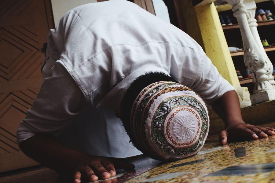 Faith Allah Religious  Holy Month RamzankaWaqt Ramzanmubarak Potrait_photography Close-up Pathanisuit Guwahati India Low Section Men Personal Perspective The Creative - 2018 EyeEm Awards