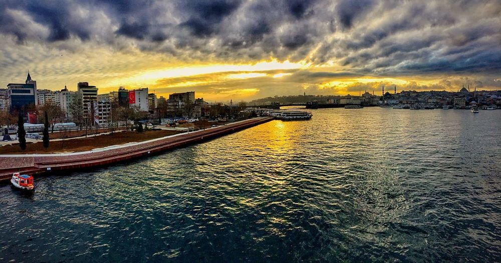HALİÇ BRİDGE Beyoglu-ıstanbul Istanbul Bridge Cloud - Sky Sunset Sky Dramatic Sky No People Nature Outdoors