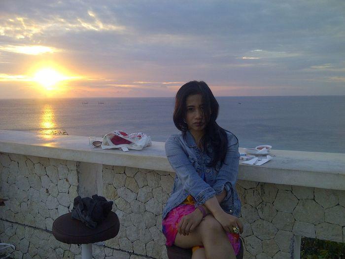 Hot Sunset Dreamland Beach Klapa Lounge Bali_the Great Indonesia