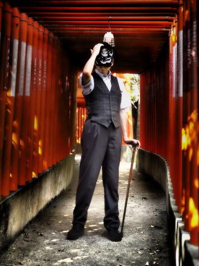 銀箱紳士 Japan Shrine TORII Inari Vermilion Red Cane Hat Suit Mask