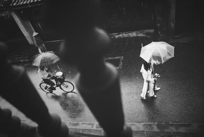 Rainy Day Romantic Lovers Hoian