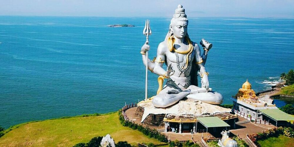 || Pavitra Sravan || Day Outdoors No People Sculpture Sea Water Sky Lord Shiva