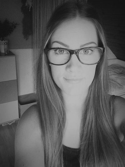 Overlighting Blackandwhite Its Me Glasses Tomorrow Holidays 🙆🏼