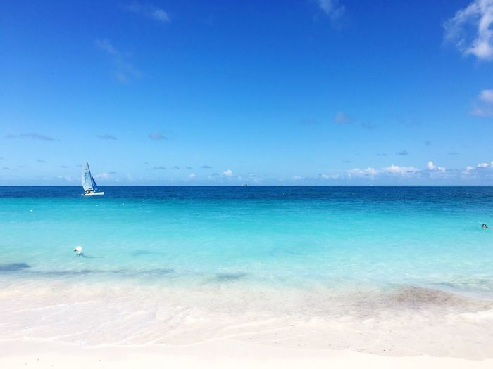 Blue Wave Blue Sky Enjoying The View EyeEm Nature Lover Beautiful Day Sea And Sky Life Is A Beach Horizon Over Water Beachphotography Ocean View Sailboat Water_collection The Essence Of Summer On The Beach Beautiful Beach in Turks And Caicos