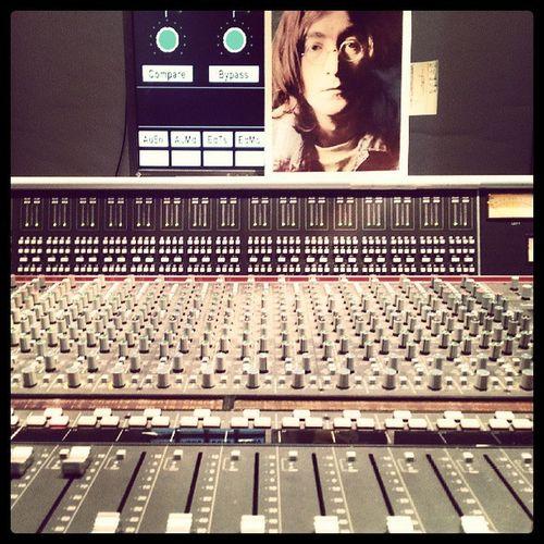 Studio Day 01 - Soundcheck. Thefogjoggers Studio Lennoniswatching
