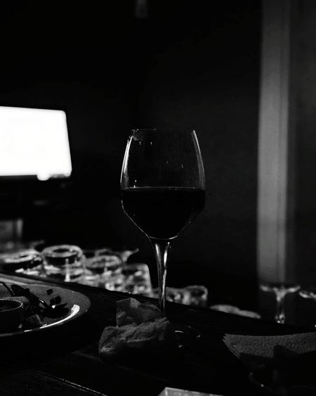 🍷 Drink Drinks Slurp Pub Bar Liquor Yum Yummy Drinkup Wine Photography Minimalism Xiaomiphotography No People Indoors  Food And Drink Drinking Glass Quality Close-up