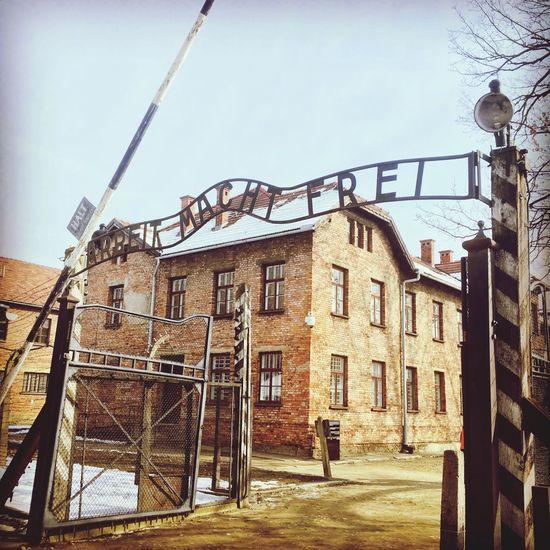 Deuxieme Guerre Mondiale Camp De Concentration Architecture Built Structure Building Exterior House Day Low Angle View Outdoors