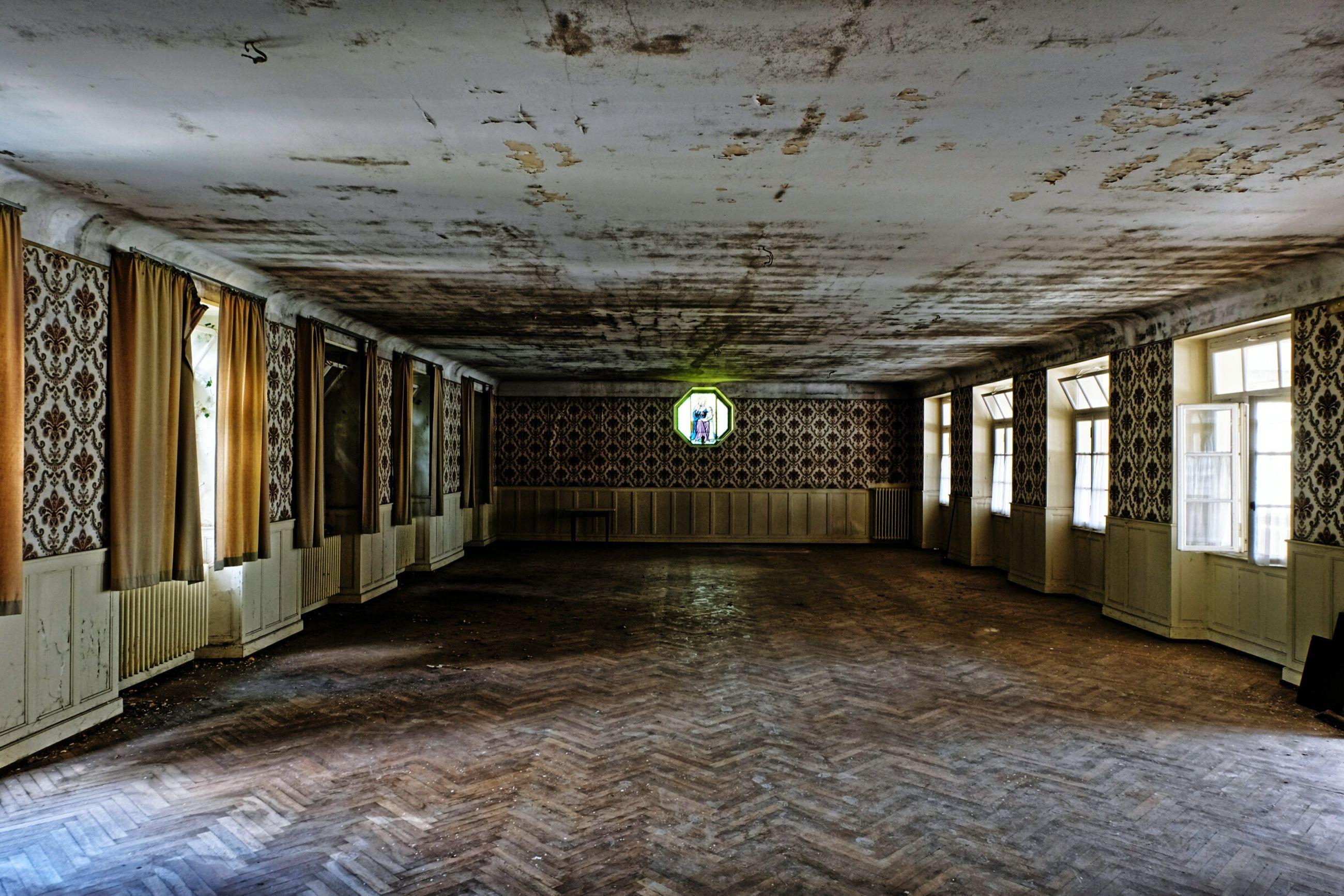 indoors, empty, no people, abandoned, architecture, illuminated, day
