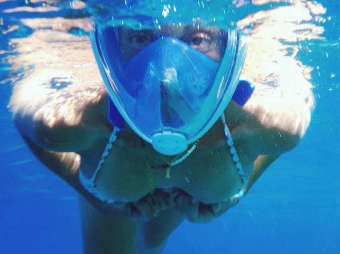 Underwater UnderSea Scuba Diving Snorkeling Swimming Water Aquatic Sport Underwater Diving Looking At Camera Blue Portrait Scuba Mask Summer Adventure Sea Sea Life Sport People Vacations Adriatic Sea Alien 🤣Hi 🤣 Mix Yourself A Good Time The Week On EyeEm Been There. Done That. Be. Ready. Summer Exploratorium