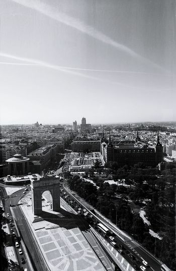 Madrid desde las alturas! Urban Scene Madrid Madridmemola Madrid, Spain B&w Street Photography Hello World Taking Photos Urban Exploration
