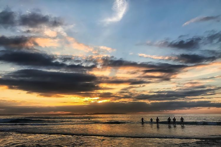Sea Sunset Water Sky Beach Horizon Over Water Cloud - Sky Beauty In Nature Scenics Nature Tranquil Scene Tranquility Silhouette Real People Idyllic Outdoors Leisure Activity Sand Togetherness Men Cronulla Beachphotography EyeEm Best Shots