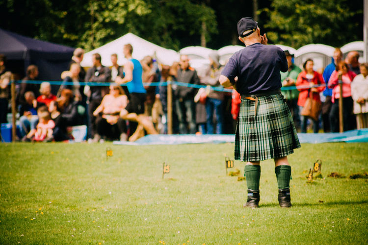 Depth Of Field Events Fun Highland Games Kilts Leisure Activity Lifestyles Men Real People Scotland Sport Sports Sports Photography Standing Throwing  Tradition Weight The Portraitist - 2016 EyeEm Awards
