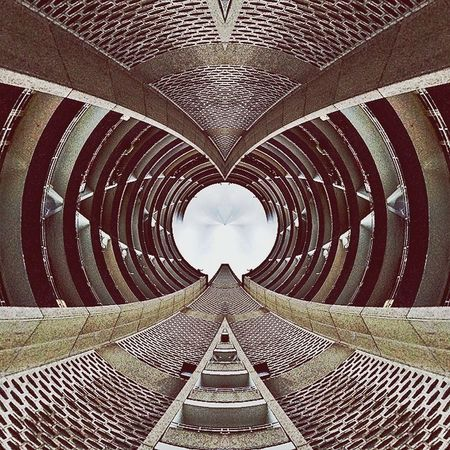 A life less ordinary with Doinbuildings for Abstractarchitecture and getting Isomorphicals