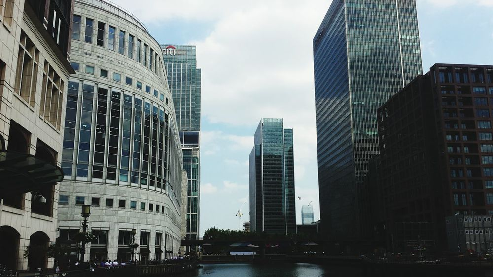 Architecture Travel Destinations Skyscraper Modern Urban Skyline Cityscape City Outdoors Cloud - Sky Building Exterior Office Building Exterior Canary Wharf London Architecture Londonthroughmycam Original Photography Urban Photography Low Angle View Modern Architecture Built Structure City The Architect - 2017 EyeEm Awards