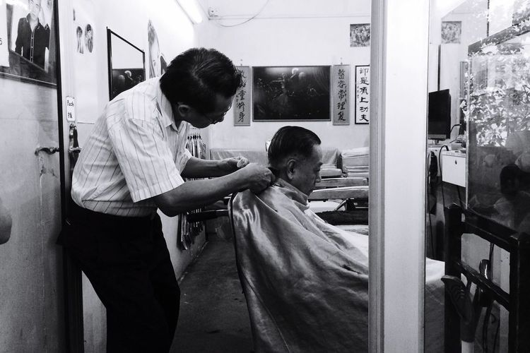 Darkness And Light Everyday Joy People Watching Haircut Transitional Moments Street Photography Monochrome B&W Portrait