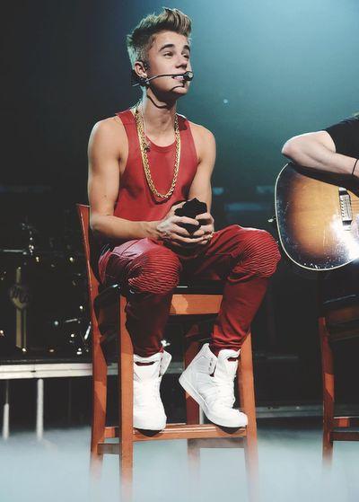 Justin bieber, he singer ❁