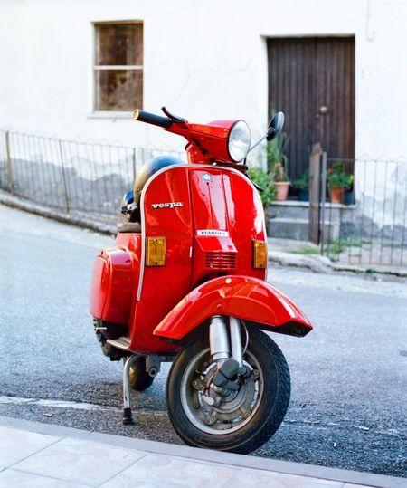 Vespa Vintage Vespa Calabria Italy EyeEm Filmphotography Transportation Mode Of Transportation Architecture Land Vehicle Red City Street Stationary Scooter No People Motor Scooter