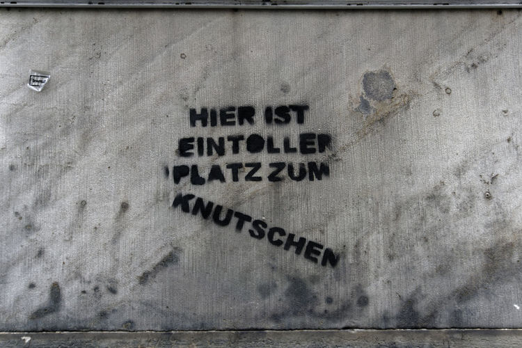 Graffiti Knutschen Wall Message No People Sign Tag Text Textured  EyeEmNewHere