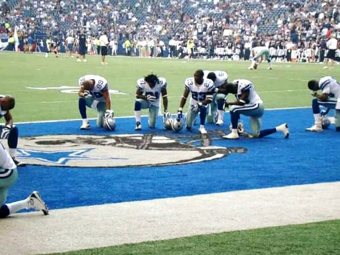 Americas Team Takes A Knee, Last Season At Old Stadiums. Team Sport Sports Team Sport Tourism Tranquility Practicing Sport Practicing Skill  Team Sport Stadium Playing Outdoors Large Group Of People People Adult Day Sports Team Peace ✌ Peacemoment Peacemoment Take A Knee. Respect. Texas Pride
