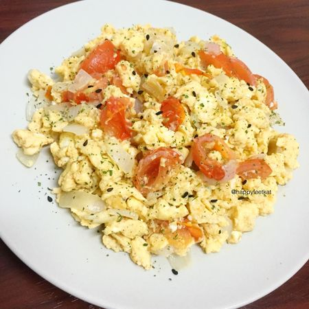 Post workout meal.😋 Scrambled Egg/Omelette.😜🍴🍳 Hehe!😂 The Foodie - 2015 EyeEm Awards Food Foodporn Chef Wanna Be Eat Eat And Eat Omelette Scrambledeggs Eat Clean Post Workout Home Cooked