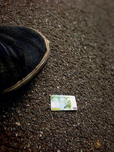 Das Geld Liegt Auf Der Strasse